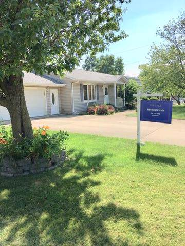 1015 W 4th Street, Spring Valley, IL 61362 (MLS #10458239) :: Berkshire Hathaway HomeServices Snyder Real Estate