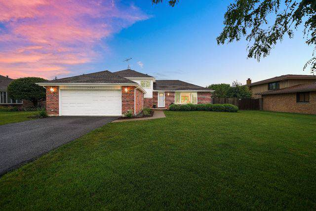 15347 Stradford Lane, Orland Park, IL 60462 (MLS #10458774) :: The Wexler Group at Keller Williams Preferred Realty