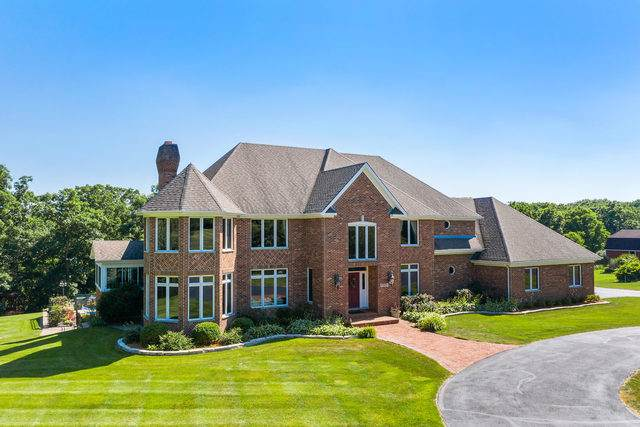 37W171 Crane Road, St. Charles, IL 60175 (MLS #10459048) :: Berkshire Hathaway HomeServices Snyder Real Estate