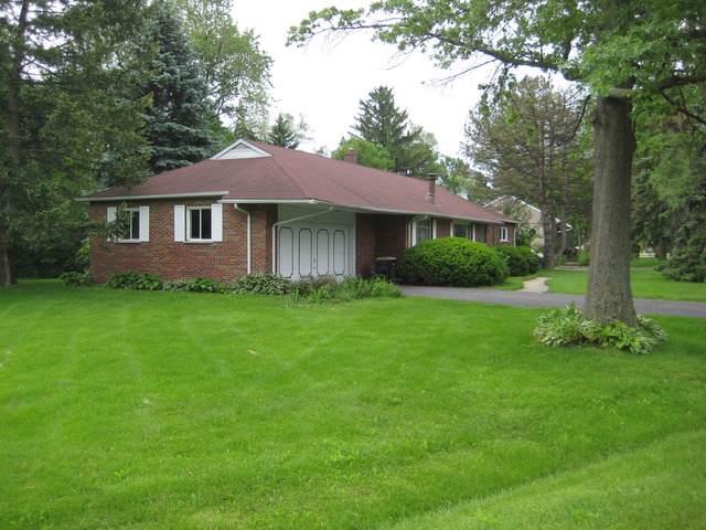 5821 S Edgewood Lane, La Grange Highlands, IL 60525 (MLS #10459247) :: Angela Walker Homes Real Estate Group