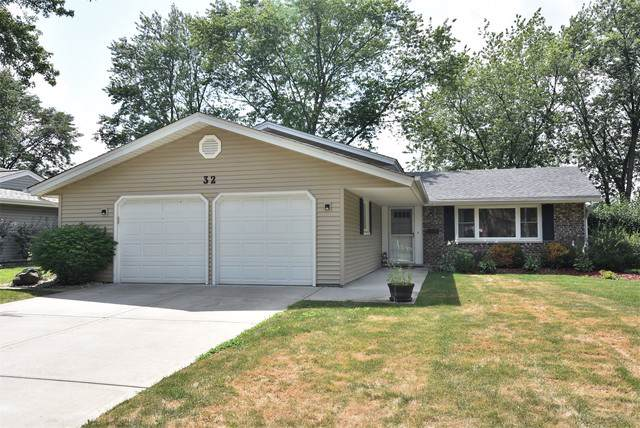 32 Hinkle Lane, Schaumburg, IL 60193 (MLS #10459648) :: Berkshire Hathaway HomeServices Snyder Real Estate