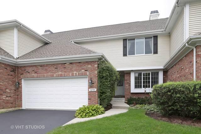 32790 N Stone Manor Drive, Grayslake, IL 60030 (MLS #10459765) :: Lewke Partners