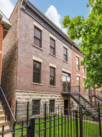 3528 S Prairie Avenue, Chicago, IL 60653 (MLS #10460685) :: Angela Walker Homes Real Estate Group