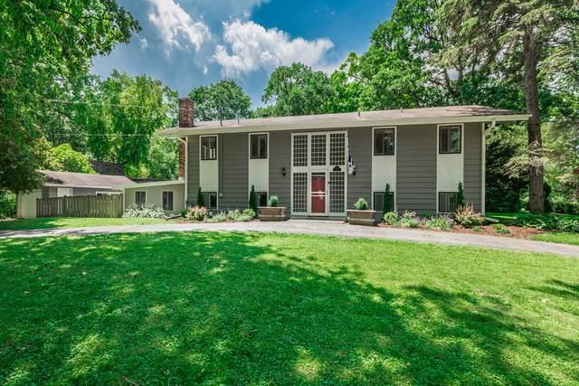 1440 Banbury Road, Mundelein, IL 60060 (MLS #10462475) :: Angela Walker Homes Real Estate Group