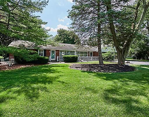 6201 Sunset Avenue, La Grange Highlands, IL 60525 (MLS #10462586) :: Angela Walker Homes Real Estate Group