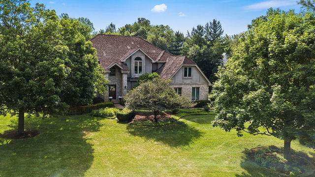 4N589 High Meadow Road, St. Charles, IL 60175 (MLS #10463314) :: Berkshire Hathaway HomeServices Snyder Real Estate