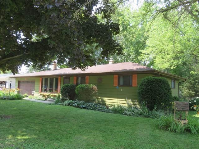 23604 81st Place, Salem, WI 53168 (MLS #10464999) :: The Wexler Group at Keller Williams Preferred Realty