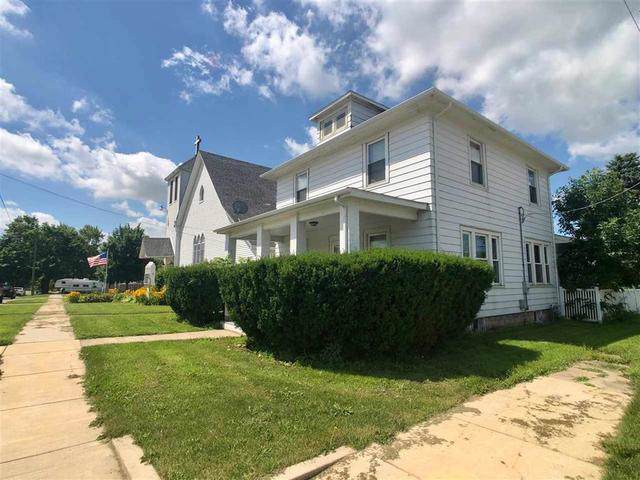 100 West Street, Monroe Center, IL 61052 (MLS #10465039) :: Property Consultants Realty
