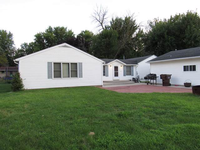 306 E Main Street, Gardner, IL 60424 (MLS #10465280) :: Angela Walker Homes Real Estate Group