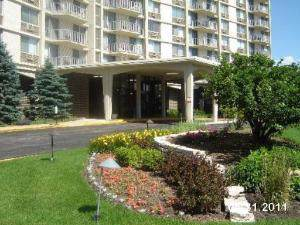 40 N Tower Road 6C, Oak Brook, IL 60523 (MLS #10465872) :: Berkshire Hathaway HomeServices Snyder Real Estate