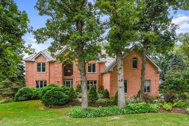 12 Middletree Lane, Hawthorn Woods, IL 60047 (MLS #10468647) :: Littlefield Group