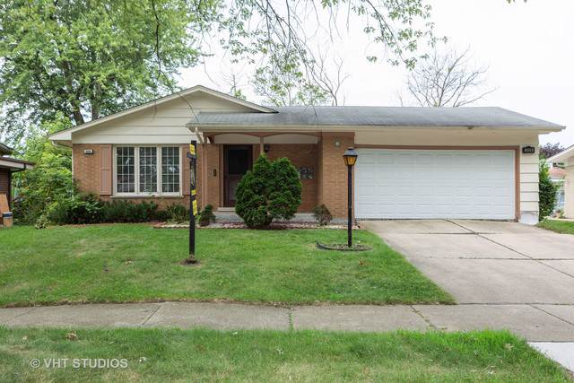 326 N Illinois Avenue, Glenwood, IL 60425 (MLS #10469599) :: Property Consultants Realty