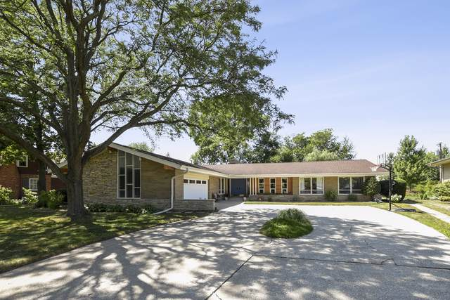 296 Uvedale Road, Riverside, IL 60546 (MLS #10471728) :: The Wexler Group at Keller Williams Preferred Realty