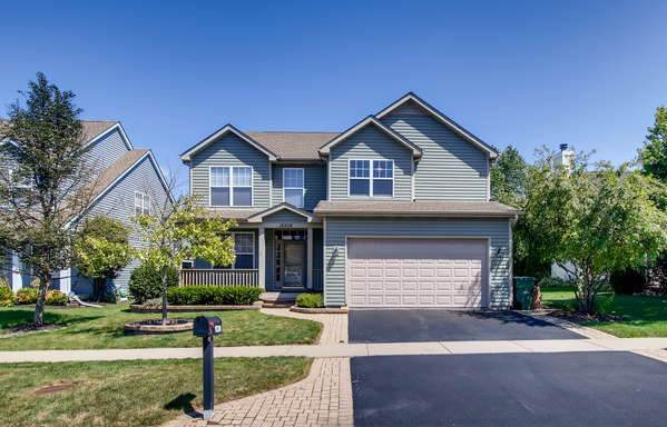18208 W Banbury Drive, Gurnee, IL 60031 (MLS #10472226) :: Angela Walker Homes Real Estate Group