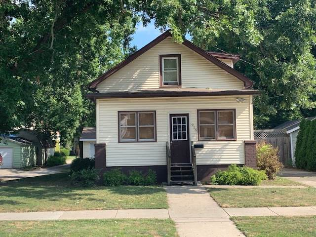 915 W Macarthur Avenue, Bloomington, IL 61701 (MLS #10473662) :: Berkshire Hathaway HomeServices Snyder Real Estate