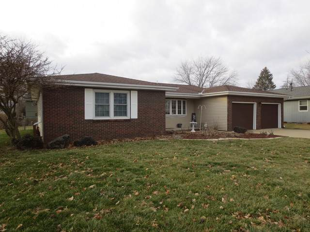 119 Cheltenham Drive, Normal, IL 61761 (MLS #10474120) :: Berkshire Hathaway HomeServices Snyder Real Estate