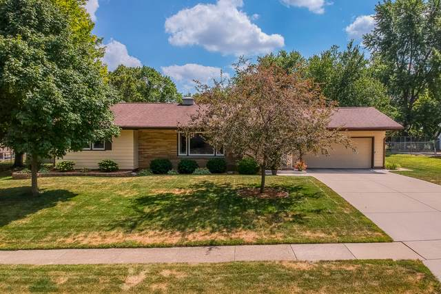 21 Hawthorne Drive, Normal, IL 61761 (MLS #10474882) :: Berkshire Hathaway HomeServices Snyder Real Estate