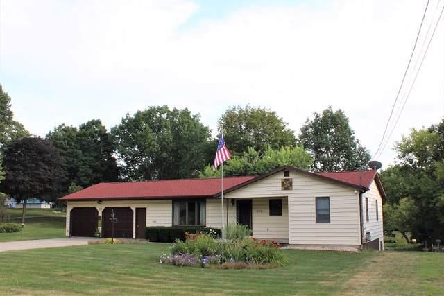 303 E High Street, Morrison, IL 61270 (MLS #10476234) :: Angela Walker Homes Real Estate Group