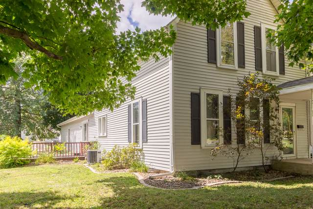 104 W North Street, Lexington, IL 61753 (MLS #10477118) :: Berkshire Hathaway HomeServices Snyder Real Estate