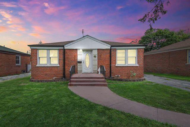 409 Englewood Avenue, Hillside, IL 60162 (MLS #10478351) :: Berkshire Hathaway HomeServices Snyder Real Estate