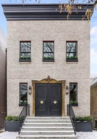 1906 N Hoyne Avenue, Chicago, IL 60647 (MLS #10478560) :: Berkshire Hathaway HomeServices Snyder Real Estate