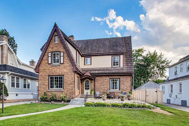 238 W St Charles Road, Elmhurst, IL 60126 (MLS #10480467) :: The Wexler Group at Keller Williams Preferred Realty