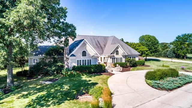11 N200 Stonecrest Drive, Elgin, IL 60124 (MLS #10480548) :: Berkshire Hathaway HomeServices Snyder Real Estate