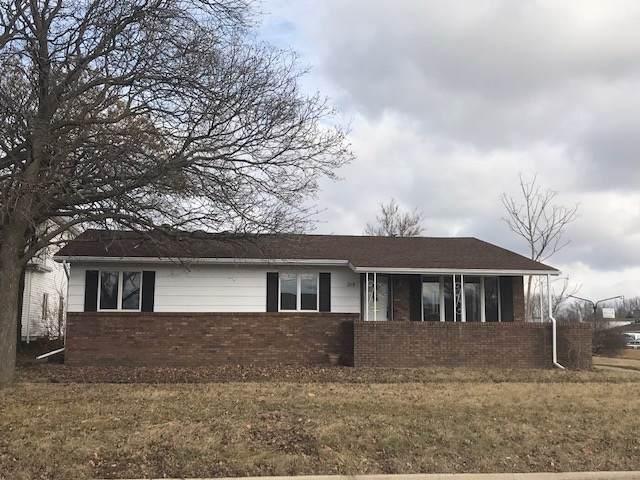 215 E Belle Avenue, Rantoul, IL 61866 (MLS #10480792) :: Property Consultants Realty
