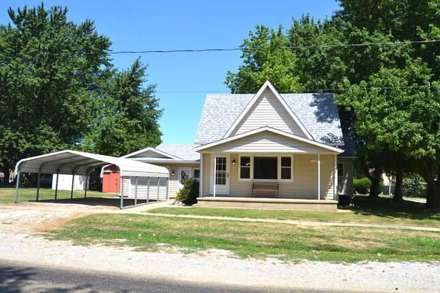 408 Main Street, Wapella, IL 61777 (MLS #10481545) :: Berkshire Hathaway HomeServices Snyder Real Estate