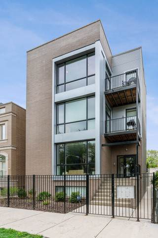 2343 W Lyndale Street #3, Chicago, IL 60647 (MLS #10482036) :: Berkshire Hathaway HomeServices Snyder Real Estate