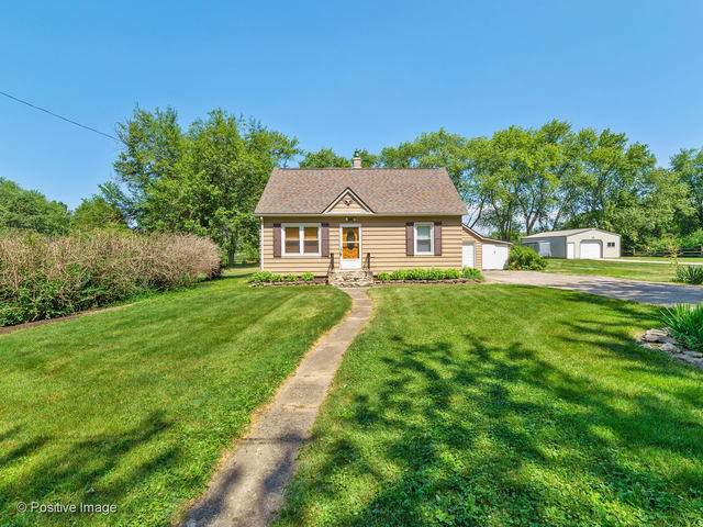33W600 East Lane, West Chicago, IL 60185 (MLS #10482066) :: Berkshire Hathaway HomeServices Snyder Real Estate