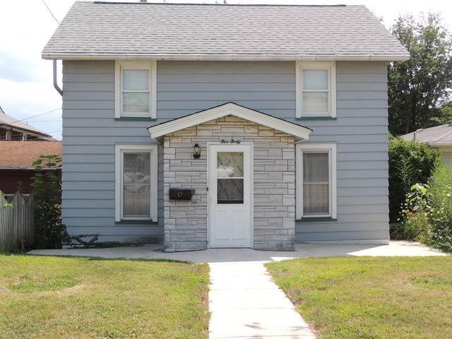 540 4th Street, Lasalle, IL 61301 (MLS #10482855) :: The Dena Furlow Team - Keller Williams Realty