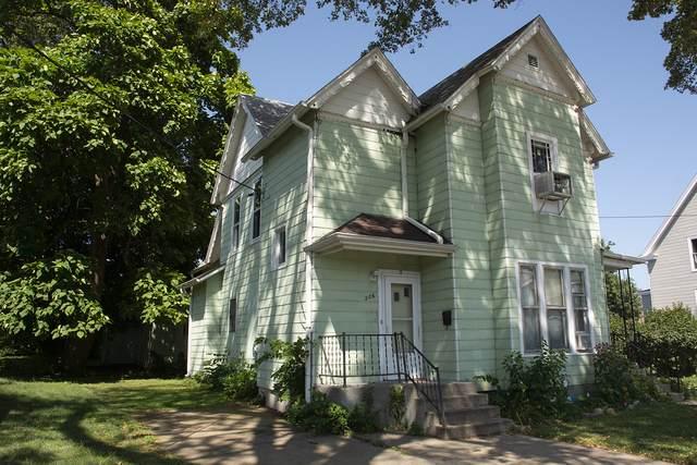 206 W Wall Street, Morrison, IL 61270 (MLS #10482862) :: Angela Walker Homes Real Estate Group
