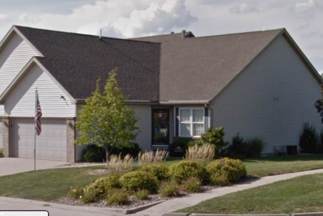 590 Beechwood Court, Normal, IL 61761 (MLS #10483096) :: Janet Jurich Realty Group