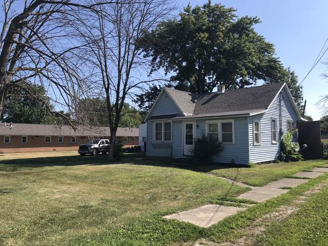 502 S 5th Street, Fisher, IL 61843 (MLS #10483555) :: Ryan Dallas Real Estate
