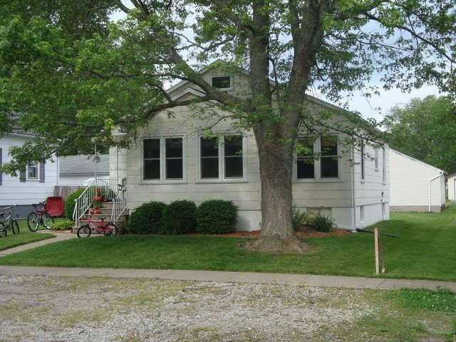309 S 4th Street, Cissna Park, IL 60924 (MLS #10483644) :: Ryan Dallas Real Estate