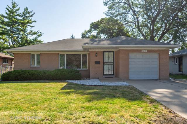6645 N Cicero Avenue, Lincolnwood, IL 60712 (MLS #10483849) :: Berkshire Hathaway HomeServices Snyder Real Estate