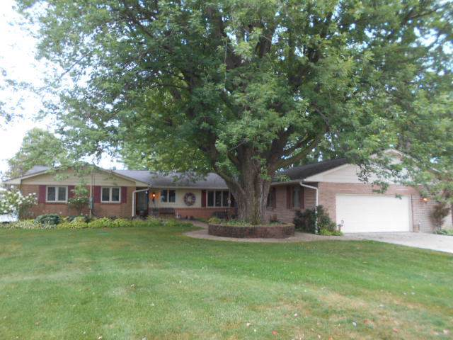 1518 Gregden Shores Drive, Sterling, IL 61081 (MLS #10484031) :: Baz Realty Network | Keller Williams Elite