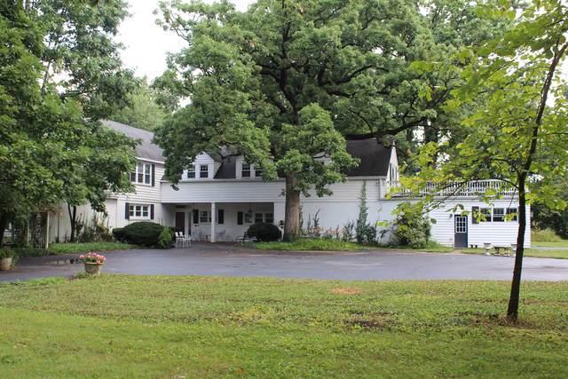 33W490 Thorncroft Drive, Wayne, IL 60184 (MLS #10484902) :: Angela Walker Homes Real Estate Group