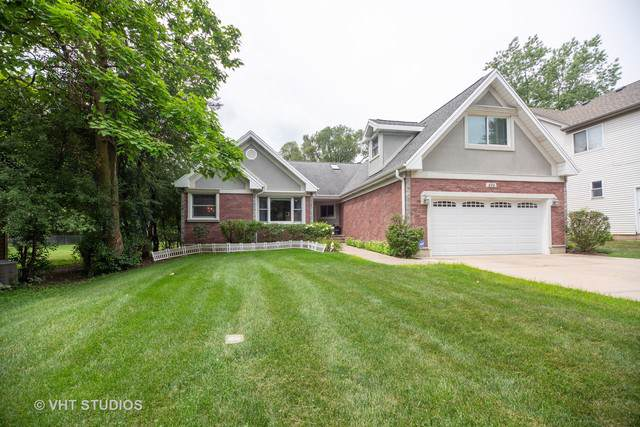 674 N Maple Avenue, Palatine, IL 60067 (MLS #10484909) :: Berkshire Hathaway HomeServices Snyder Real Estate