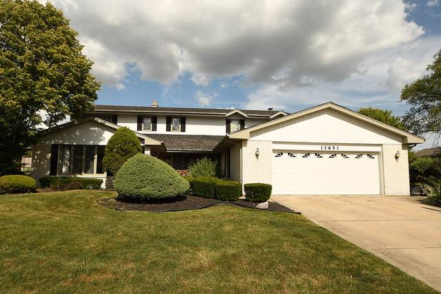 13651 Arrowhead Court, Orland Park, IL 60462 (MLS #10485065) :: Berkshire Hathaway HomeServices Snyder Real Estate