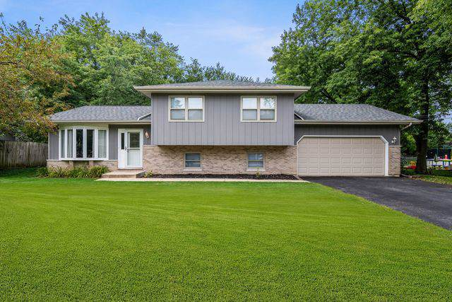 2N238 Argyle Street, Lombard, IL 60148 (MLS #10485184) :: Angela Walker Homes Real Estate Group