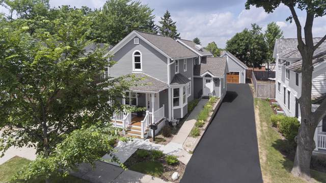 200 W Station Street, Barrington, IL 60010 (MLS #10485734) :: Berkshire Hathaway HomeServices Snyder Real Estate