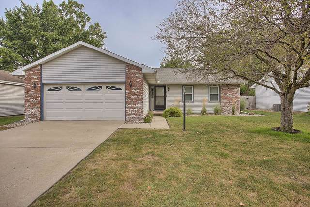 2514 Worcester Drive, Champaign, IL 61821 (MLS #10486323) :: Berkshire Hathaway HomeServices Snyder Real Estate