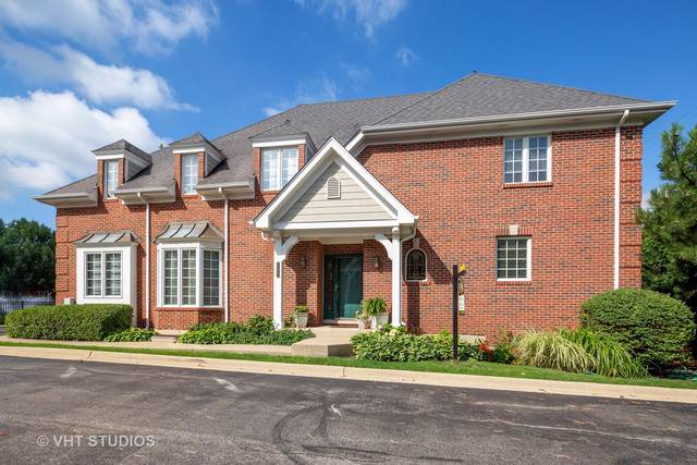 100 E Knighton Place, Elmhurst, IL 60126 (MLS #10486761) :: Berkshire Hathaway HomeServices Snyder Real Estate