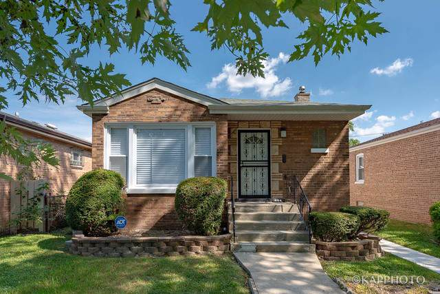 204 E 90th Place, Chicago, IL 60619 (MLS #10486830) :: The Wexler Group at Keller Williams Preferred Realty