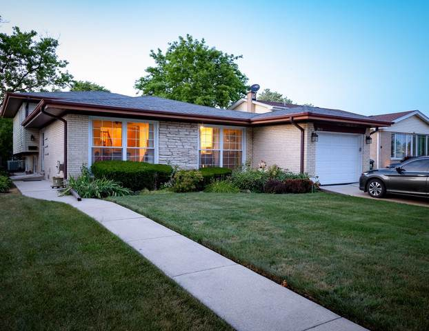 7912 Maple Street, Morton Grove, IL 60053 (MLS #10487492) :: The Wexler Group at Keller Williams Preferred Realty