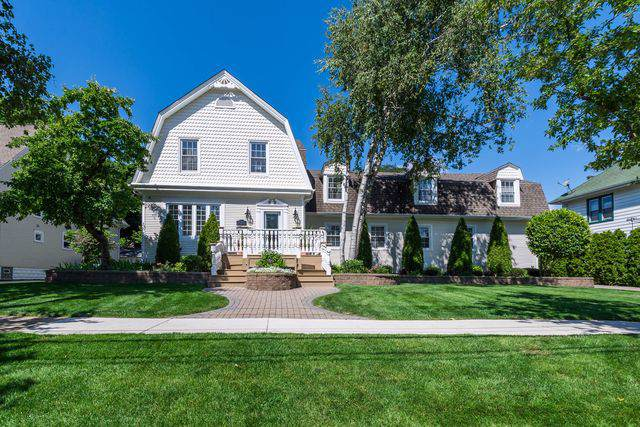 624 N Highland Avenue, Arlington Heights, IL 60004 (MLS #10487508) :: The Wexler Group at Keller Williams Preferred Realty