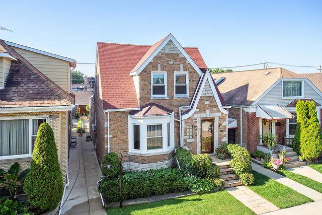 7009 W Melrose Street, Chicago, IL 60634 (MLS #10488196) :: Angela Walker Homes Real Estate Group