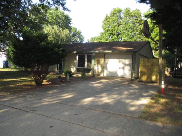 803 Oakcrest Drive, Champaign, IL 61821 (MLS #10488352) :: Property Consultants Realty